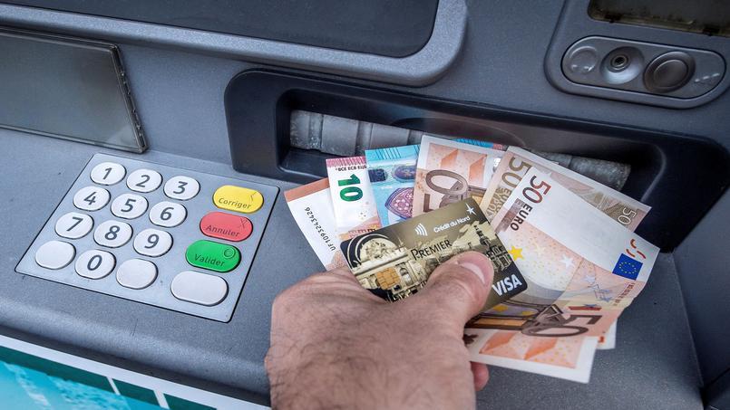 Velta íslenskra debet- og kreditkorta erlendis var samtals 91,4 milljarðar ...