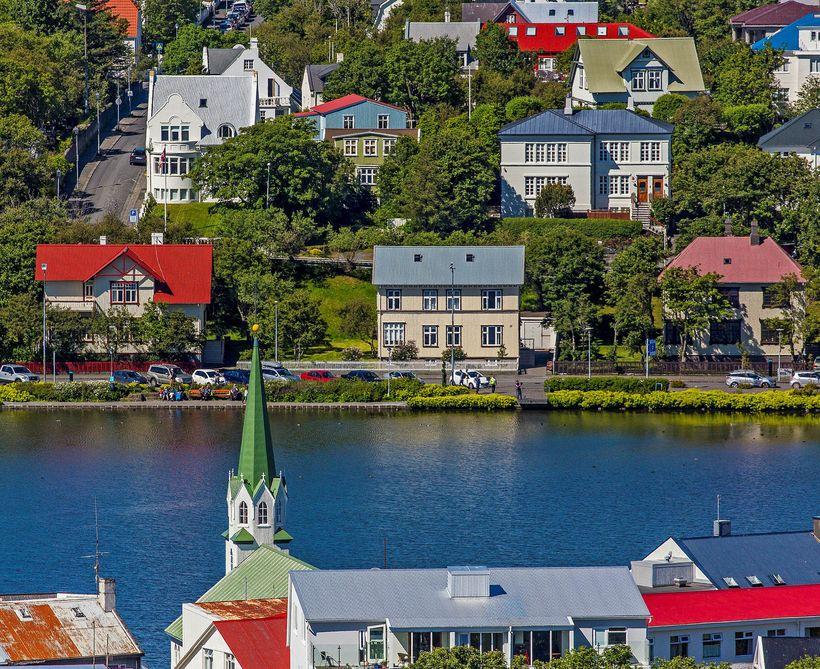 Um 2.000 Airbnb-íbúðir voru í boði í febrúar síðastliðnum.