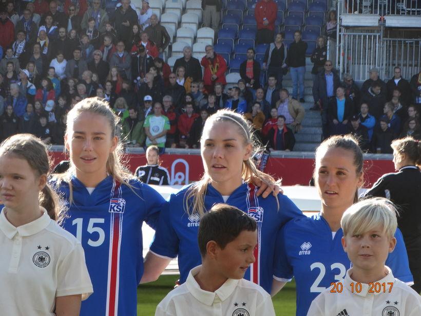 Elín Metta Jensen, Rakel Hönnudóttir og Fanndís Friðriksdóttir.