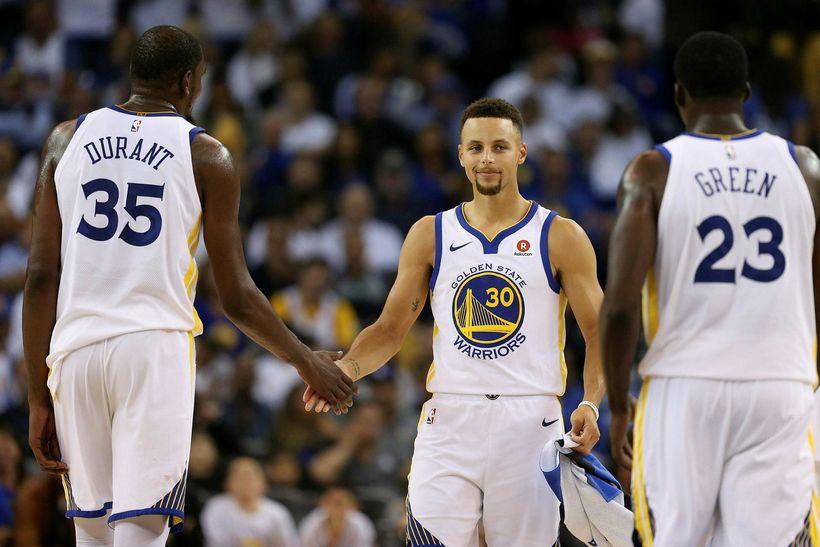 Durant og Curry voru reknir út úr húsi í nótt.