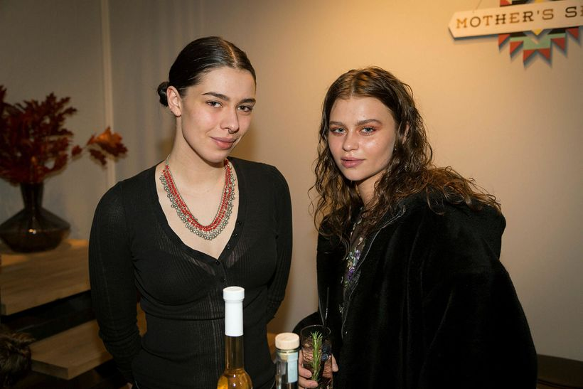 Rannveig Rögnleifsdóttir og Thelma Torfadóttir.