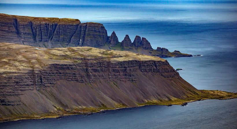 Fjallasýn ofan af Ófeigsfjarðarheiði á Ströndum.