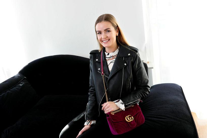 Lína Birgitta með Gucci-tösku.