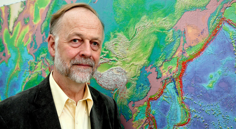 Geophysicist Páll Einarsson is one of the leading volcanic experts …