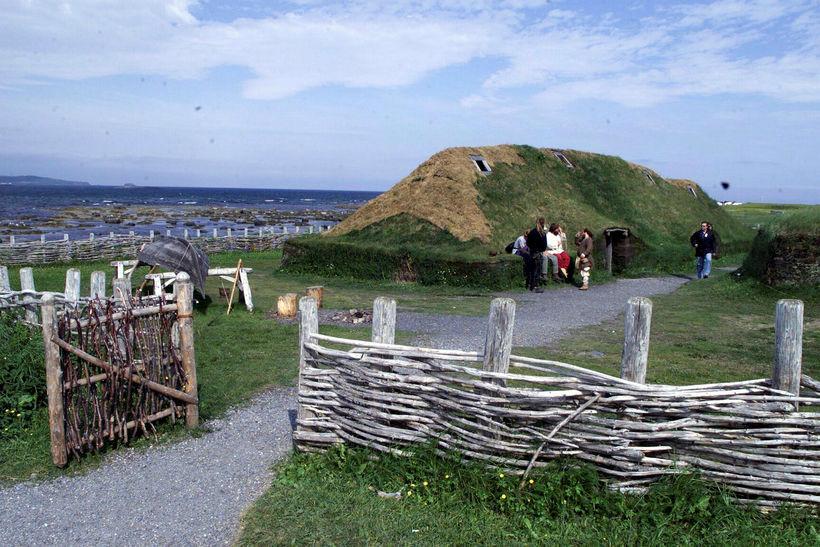 L'anse aux Meadows á Nýfundnalandi. Hér voru fornir Íslendingar á ...