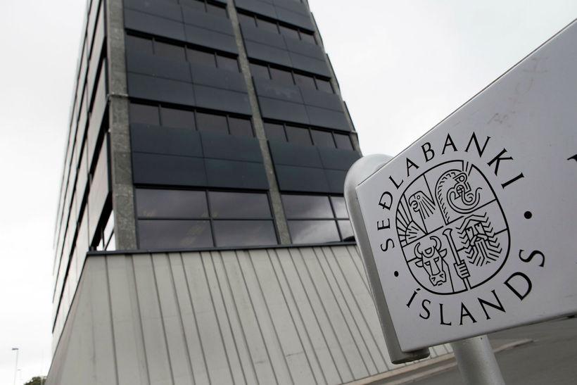 Samkvæmt Seðlabanka Íslands er hrein staða þjóðarbúsins gagnvart útlöndum jákvæð ...