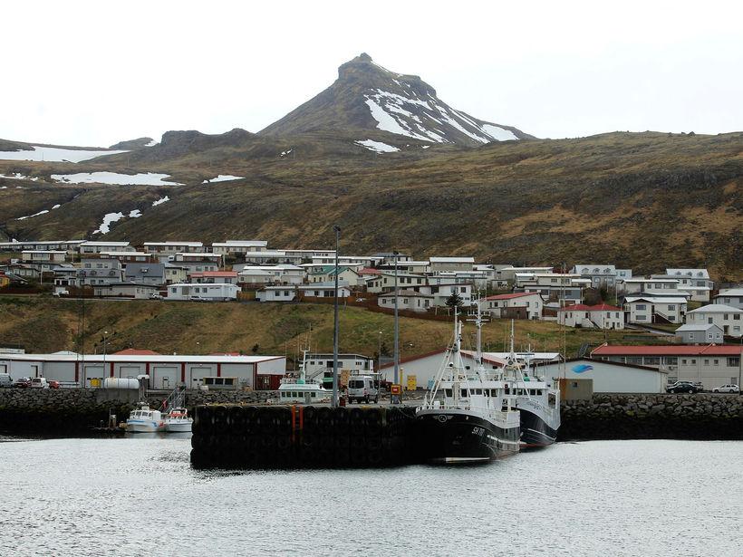 Ólafsvík. Útgerð og fiskvinnsla eru þar meginstoðir í atvinnulífinu.