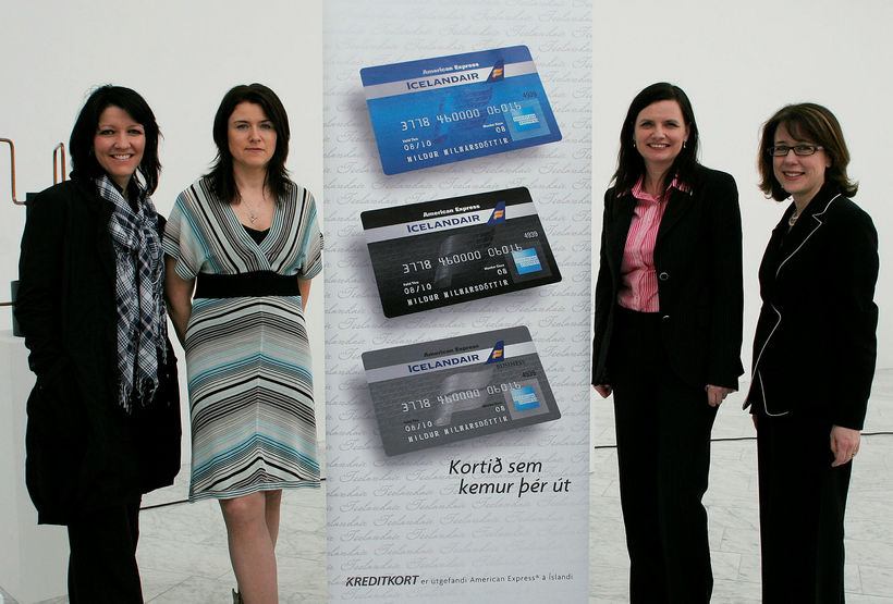 Frá kynningu á fyrstu útgáfu American Express-kreditkorta á Íslandi.