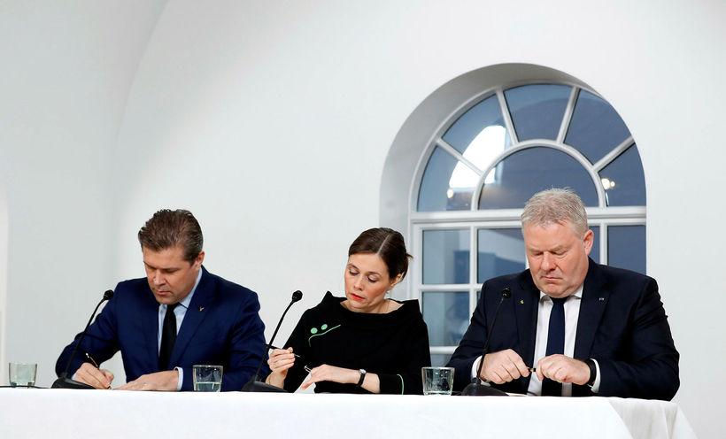 Í stjórnarsáttmála ríkisstjórnarinnar er meðal annars talaðum að hugað verði ...