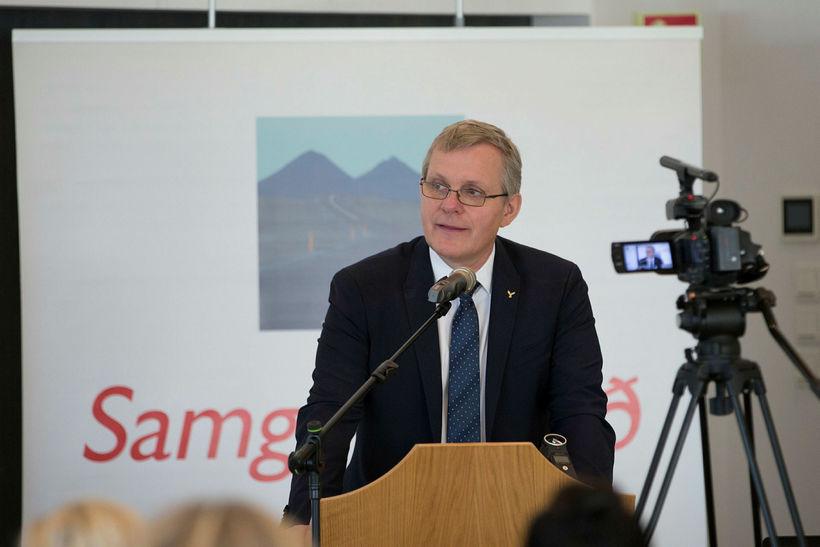 Jón Gunnarsson yfirgaf þingflokksfund Sjálfstæðisflokksins áður en honum lauk.