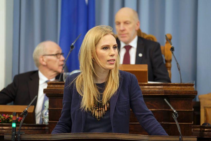 Halldóra Mogensen sakar meirihlutann um að svæfa afnám krónu á ...