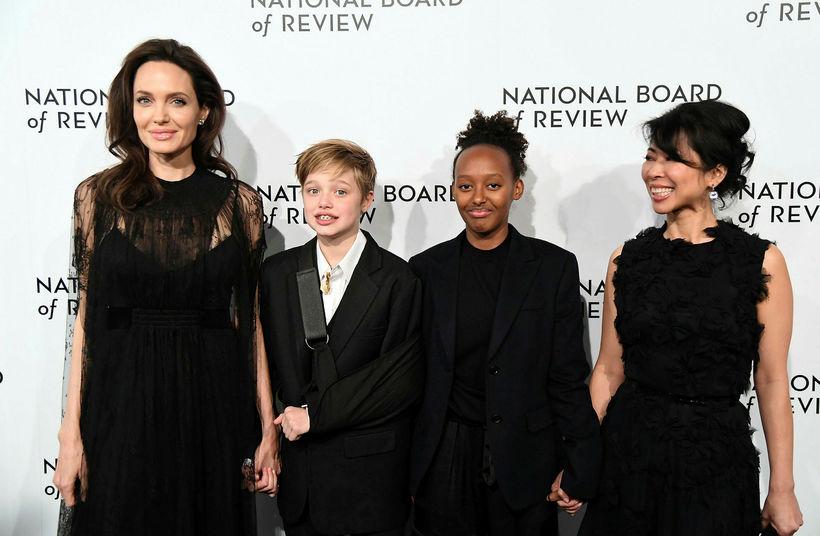 Angelina Jolie, Shiloh Jolie-Pitt, Zahara Jolie-Pitt og Loung Ung.