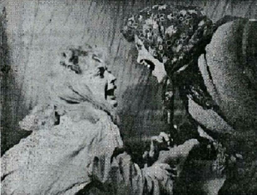Gilitrutt var frumsýnd 1957 í Bæjarbíói. Hér eru Ágústa Guðmundsdóttir ...