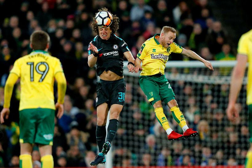 Alex Pritchard, til hægri, er kominn til Huddersfield frá Norwich ...