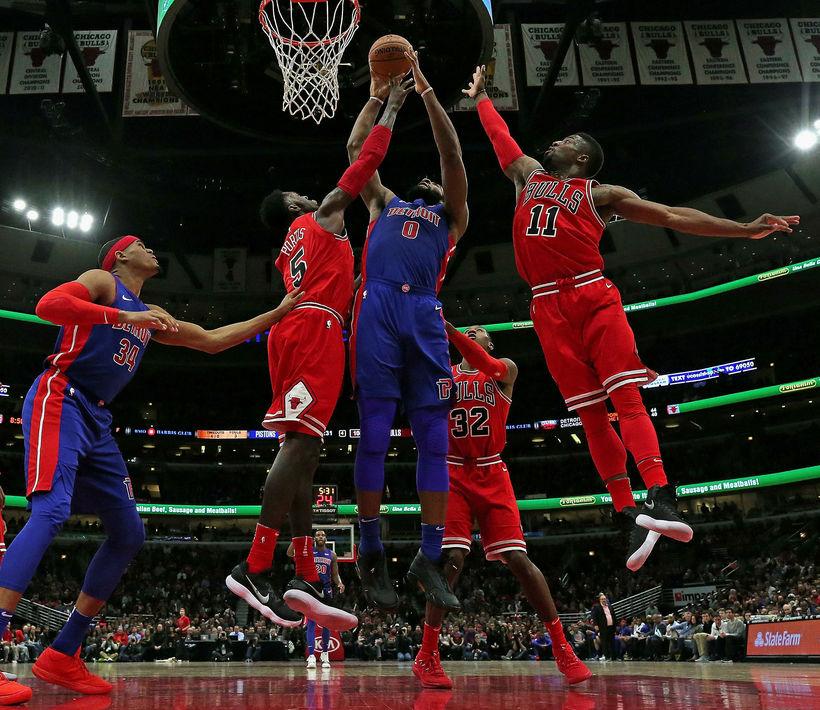 Hart barist í leik Detroit Pistons og Chicago Bulls í ...