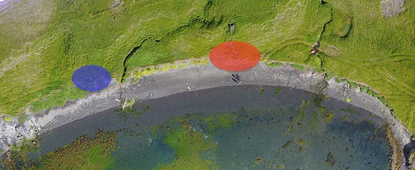 Yfirlitsmynd af Sandvík þar sem ruslahaugarnir hafa verið merktir inn.
