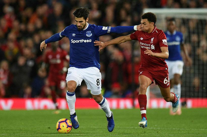 André Gomes í leik með Everton gegn Liverpool um síðustu ...