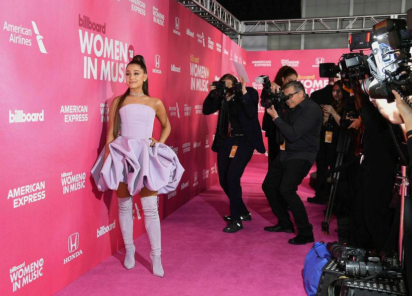 Ariana Grande er á hápunkti ferils síns en einkalífið gengur ...