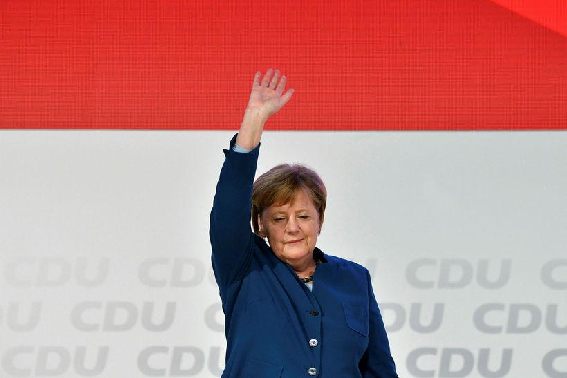 Angela Merkel, leiðtogi Kristilegra demókrata og kanslari Þýskalands, þakkar fyrir ...