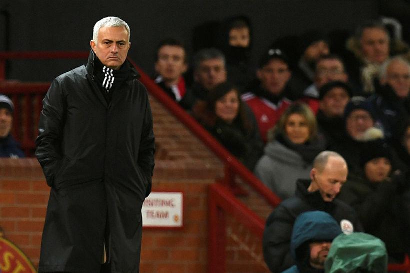 José Mourinho á hliðarlínunni á Old Trafford í dag.