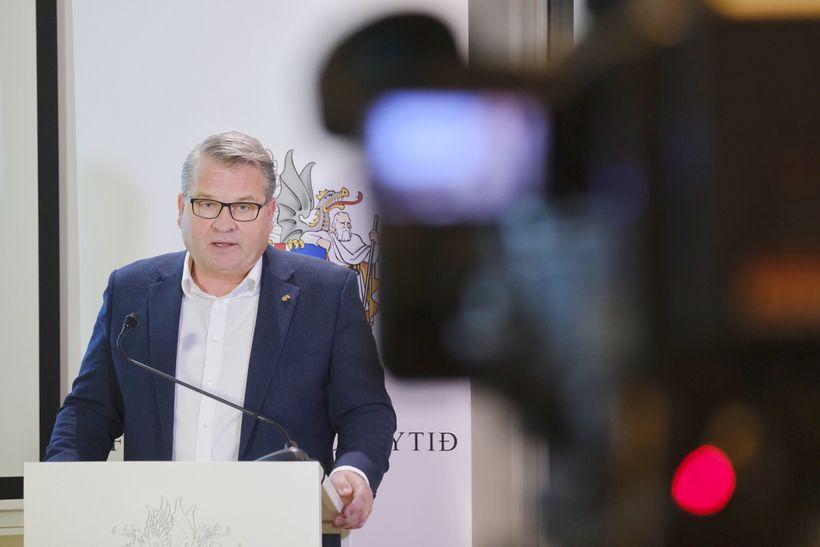 Lárus L. Blöndal, hæstaréttarlögmaður og stjórnarformaður Bankasýslu ríkisins, leiddi starfshópinn ...