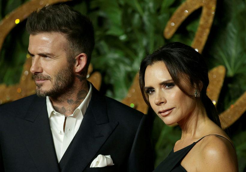 David og Victoria Beckham á bresku tískuverðlaununum á mánudaginn.