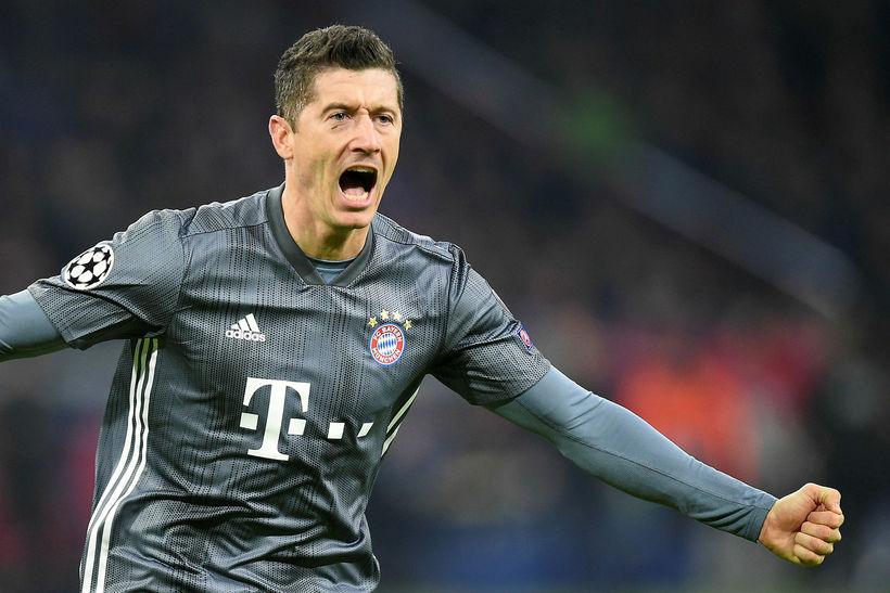 Robert Lewandowski skoraði tvö mörk fyrir Bayern München sem vann ...
