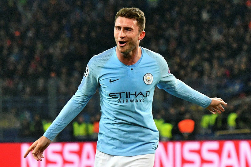Aymeric Laporte fagnar marki með Manchester City.