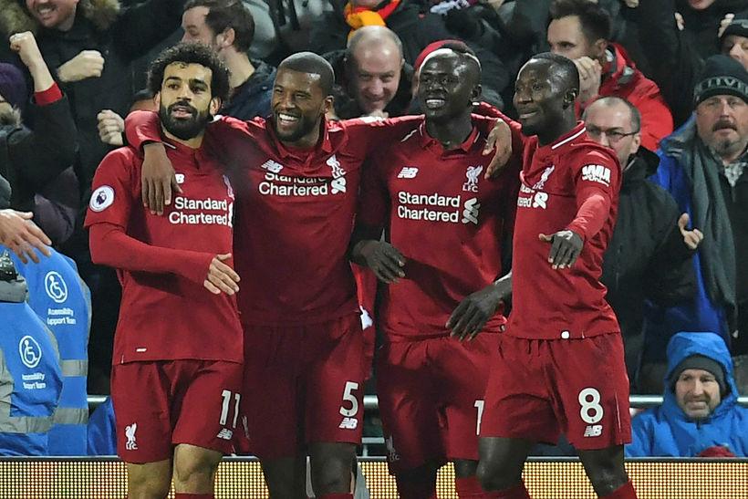 Leikmenn Liverpool fagna marki Sadio Mané á Anfield í dag.