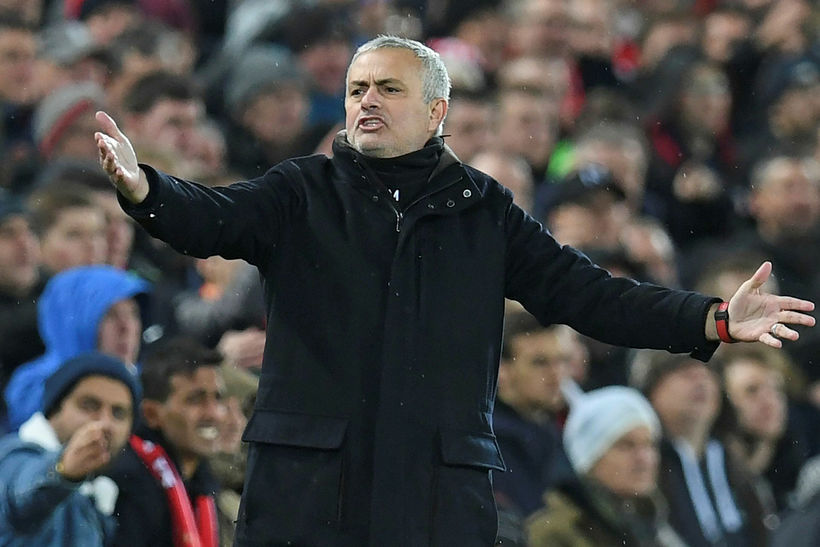 José Mourinho var ekki sáttur á hliðarlínunni í dag.