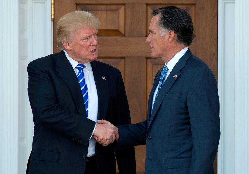 Donald Trump Bandaríkjaforseti og Mitt Romney, þegar sá fyrrnefndi íhugaði …
