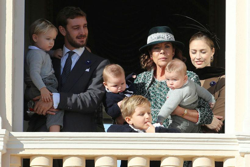 Karólína Mónakóprinsessa ásamt syni sínum Pierre Casiraghi, konu hans Beatrice ...
