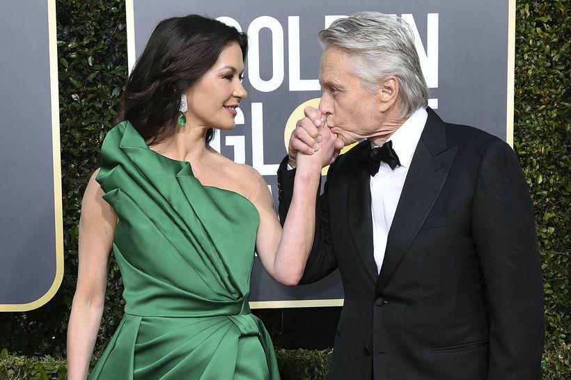 Catherine Zeta-Jones og Michael Douglas njóta nú lífsins fyrir utan …