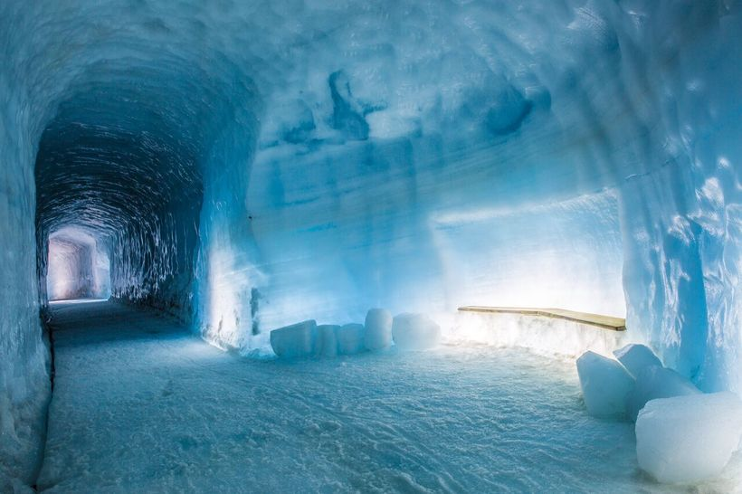 Arctic Adventures er eigandi Into the glacier í Langjökli.