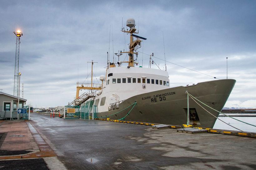Bjarni Sæmundsson, skip Hafrannsóknastofnunar, við bryggju í Reykjavíkurhöfn.