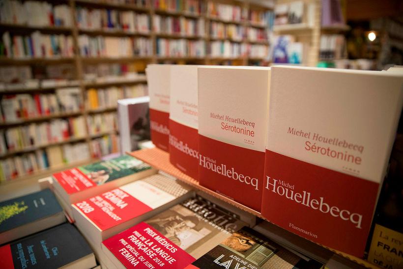 Bók Michel Houellebecq hefur selst margfalt betur en gengur og ...