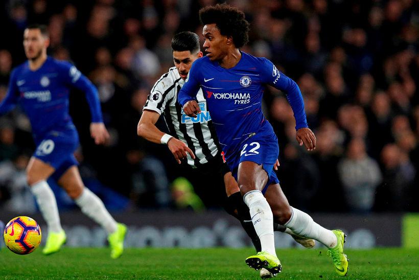 Willian á fullri ferð í leiknum á Stamford Bridge í ...