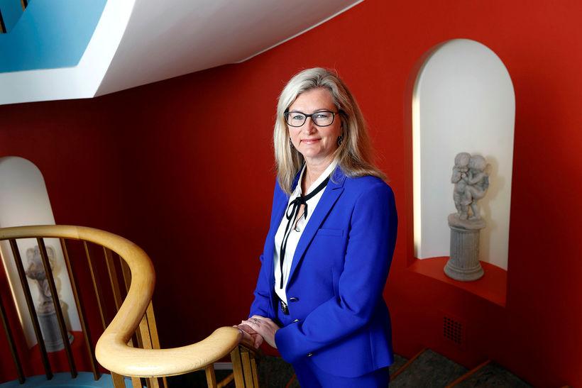 Alma D. Möller landlæknir varar Íslendinga við hitanum í Evrópu ...