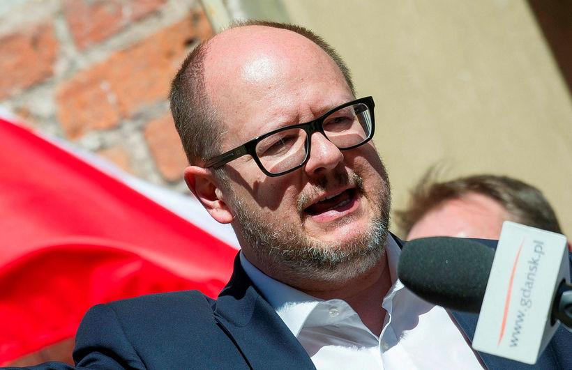 Pawel Adamowicz borgarstjóri Gdansk flytur hér ræðu á mótmælum gegn ...