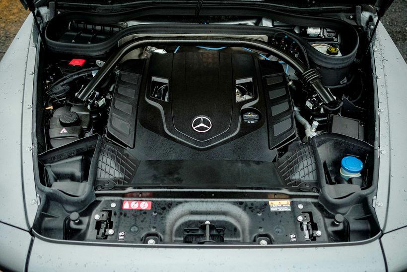 Vélarhólf Mercedes Benz G-Class.