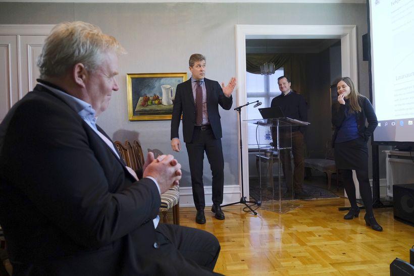 Katrín Jakobsdóttir, Sigurður Ingi Jóhannsson og Bjarni Benediktsson kynntu vefinn ...