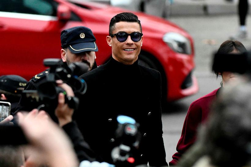 Cristiano Ronaldo mætir í réttarsal í morgun.
