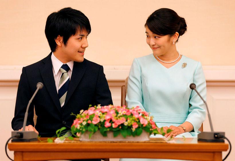 Kei Komuro og prinsessan Mako, elsta barnabarn Akihito Japanskeisara, frestuðu ...