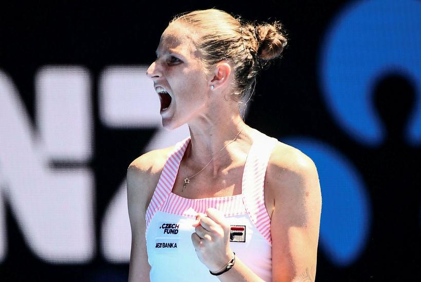 Karolina Pliskova fagnar í dag.