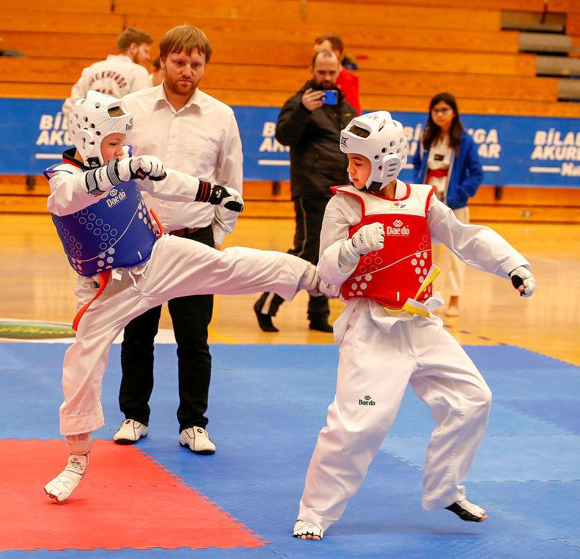 Taekwondo í Víkingshúsinu.