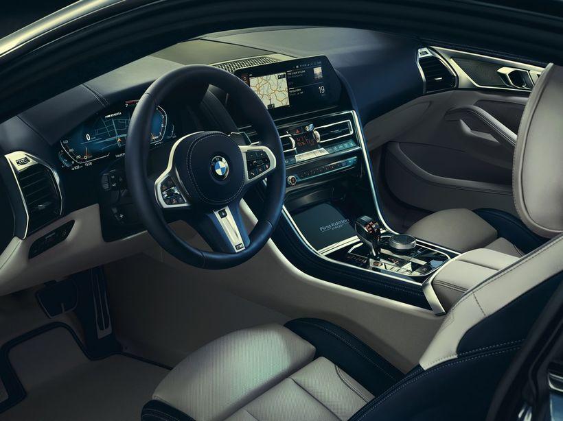 Innréttingin í BMW 850i xDrive Coupe, flaggskipi BMW. Íburður verður ...