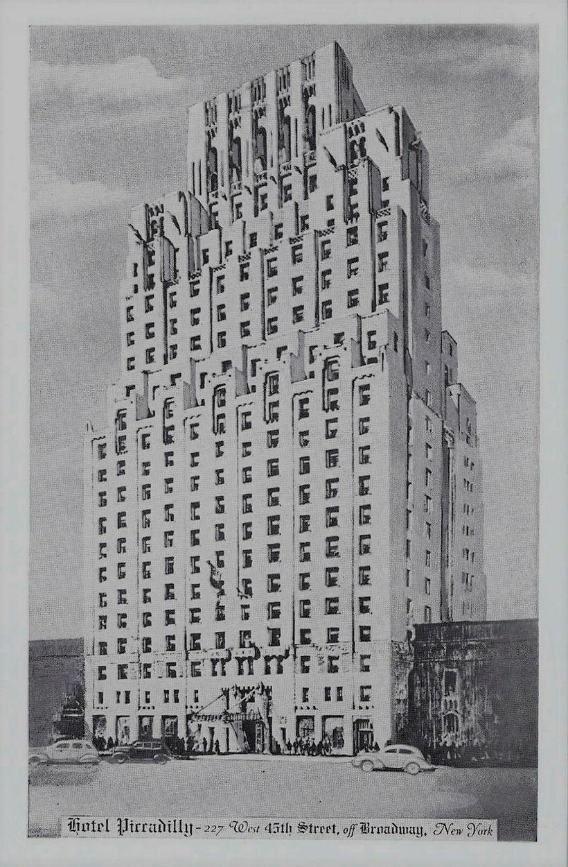 Teikning af hinu fræga Hótel Piccadilly við 45. stræti á ...