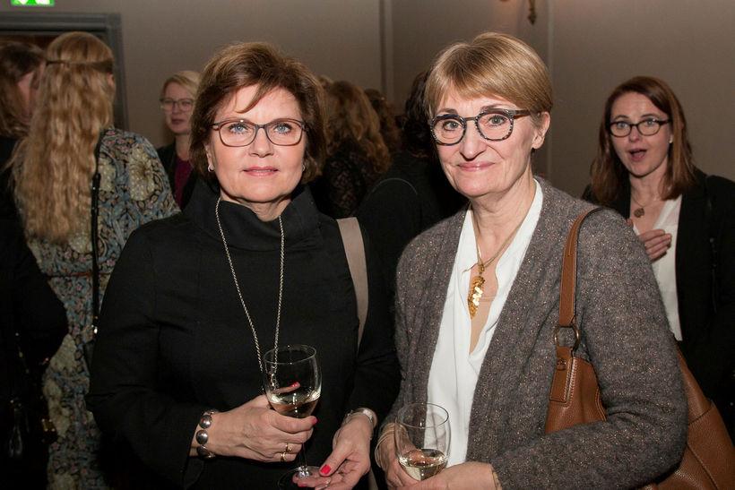 Ragna Maronsdóttir og Hildur Petersen.