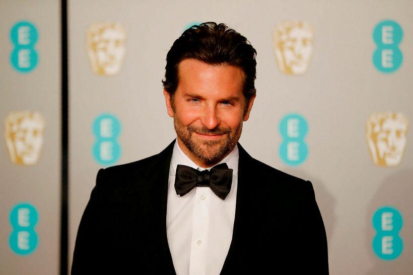 Bradley Cooper er mættur til að fylgja eftir mynd sinni ...