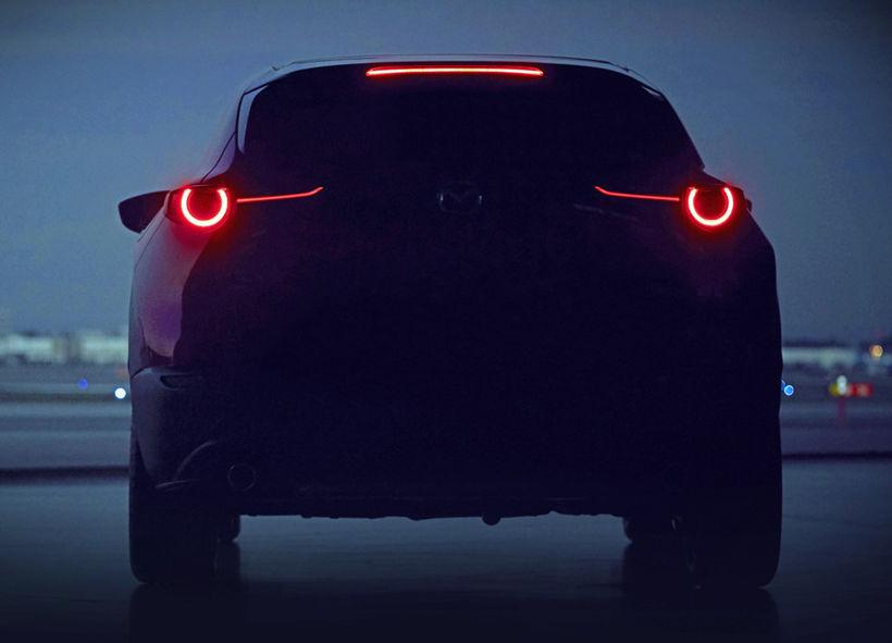 Eina myndin sem Mazda hefur sent frá sér af nýja ...